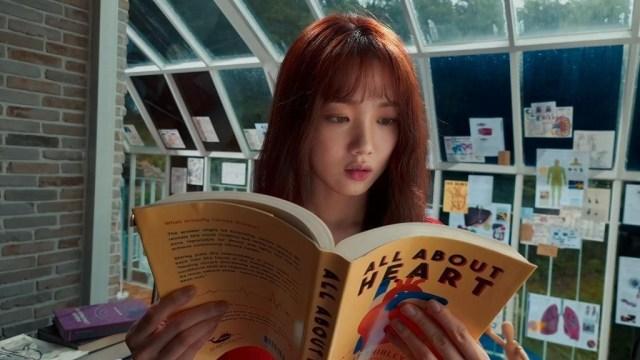Adegan Lee Sung Kyung di Film Heart Attack Sumber gambar: Naver