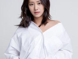 Profil Lengkap Hyun Jyu-Ni
