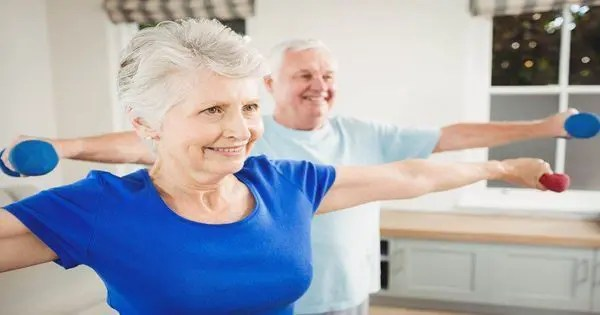 blog picture of elderly couple exercising