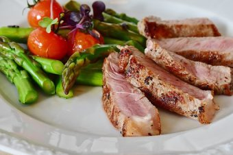 asparagus-steak