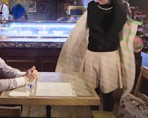 白いスカート?をコーデしてますね