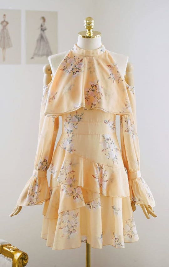 c9c53eb18470 How to Dress Like Secretary Kim from