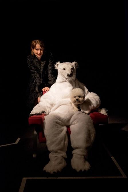ROBERTA VA SULLA LUNA How to explain theatre to a living dog (quattordicesima parte di Interior Sites Project) - Cuocolo Bosetti/IRAA Theatre / Festival delle Colline Torinesi Ed. XXII