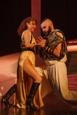 "Sursa: Teatrul Dramatic ""Fani Tardini"" Galați"
