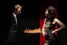 Lord Goring und Laura Cheveley, Foto Alexander Zipes