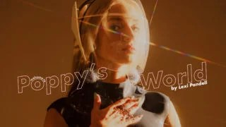 「ThatPoppy (ポピー )人気海外歌手のブリーチ・ブロンド・ベイビー」のアイキャッチ画像
