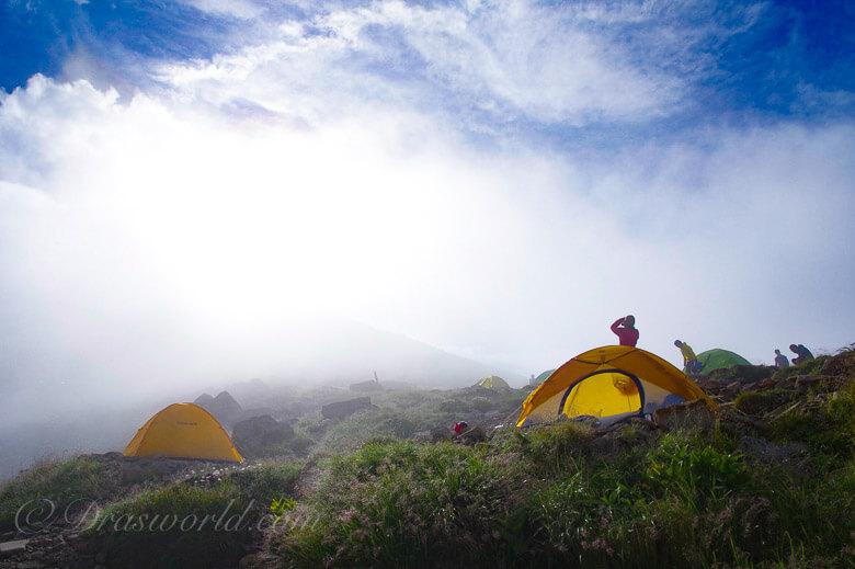 笠ヶ岳のテント場