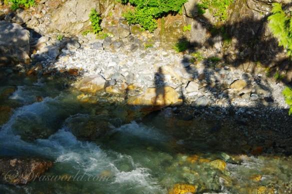 朝日岳の途中にある最低標高の瀬戸川