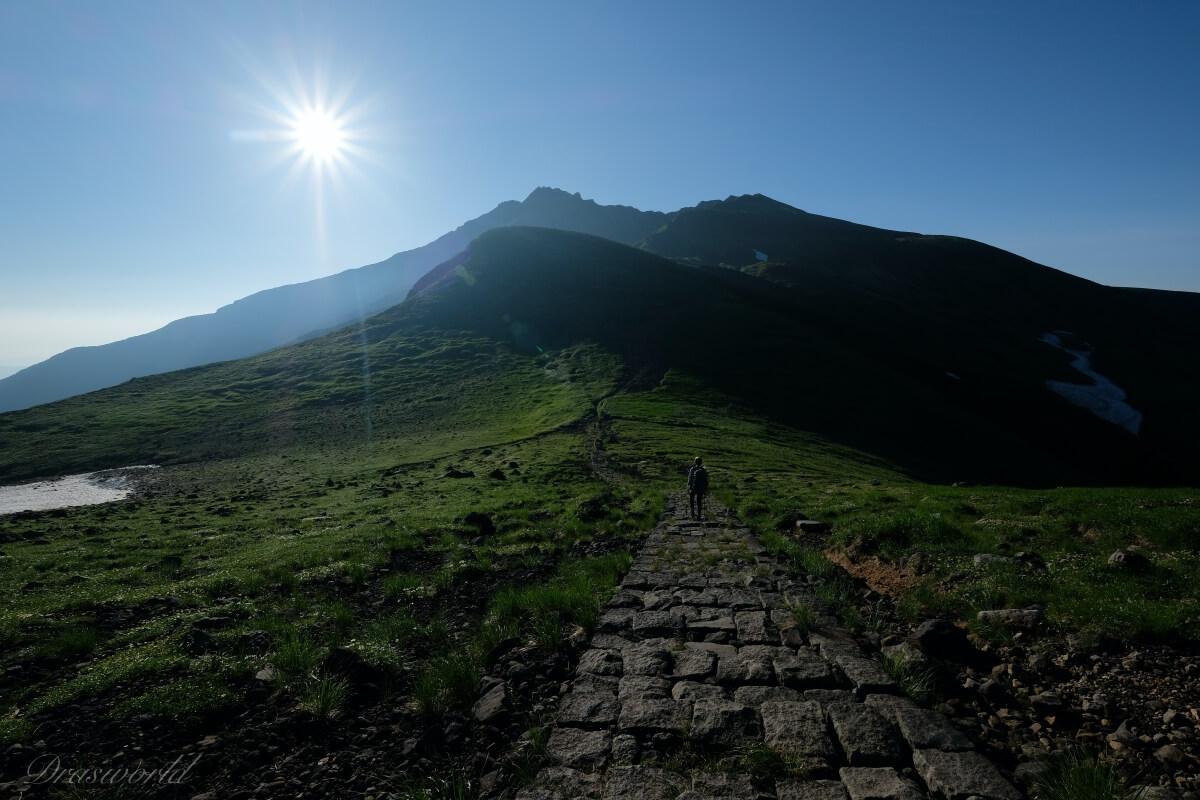 日本海に沈む夕日と盛夏7月の鳥海山を堪能した話(象潟コース)
