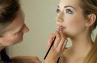 دراسة: عمليات التجميل على يوتيوب تتضمن معلومات غير دقيقة