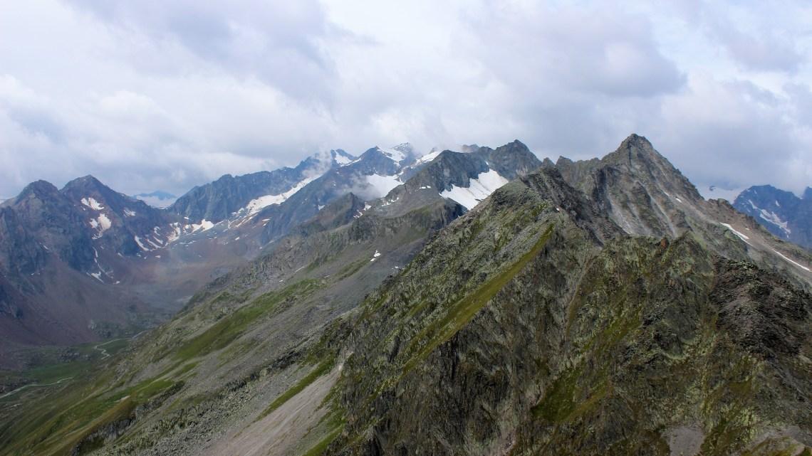 Wandern am Alpenhauptkamm: Der Stubaier Höhenweg