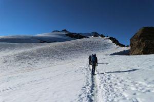 In der Seilschaft auf dem Gletscher.