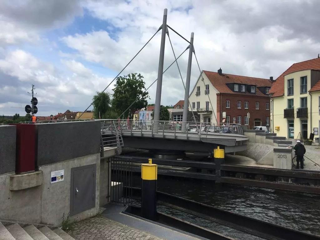 Offene Drehbrücke in Malchow