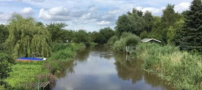 Wanderung im Alten Land: Von Harsefeld entlang von Aue und Lühe bis zur Elbe