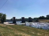 Das Gnevsdorfer Wehr am Vorfluter zur Elbe - direkt am Elberadweg