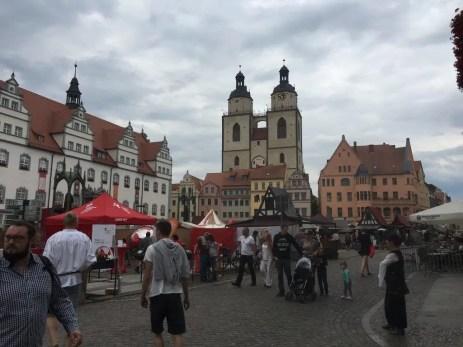 Auf dem Marktplatz in der Lutherstadt Wittenberg (2)