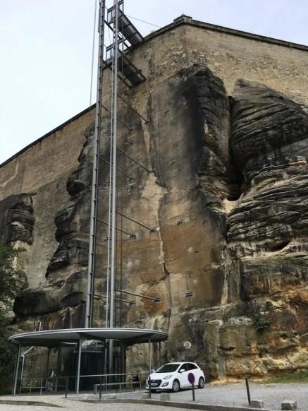 Der Fahrstuhl vom Parkplatz hoch zur Festung Königstein