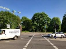 Kreuzung Sengelmannstraße mit der Hebebrandstraße: Dort drüben geht es in den Limaweg in Richtung Stadtpark weiter
