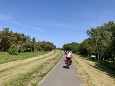 Ostseeradweg auf dem Deich bei Dierhagen