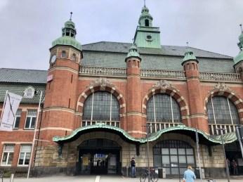 Der Ostausgang des Lübecker Hauptbahnhofs