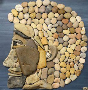 وجه من الحجارة