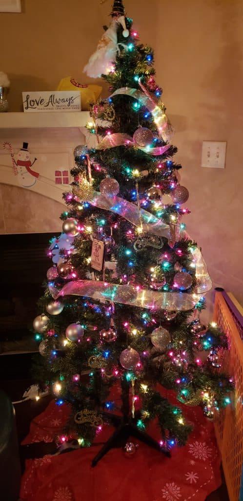 Use artificial Christmas tree to save money