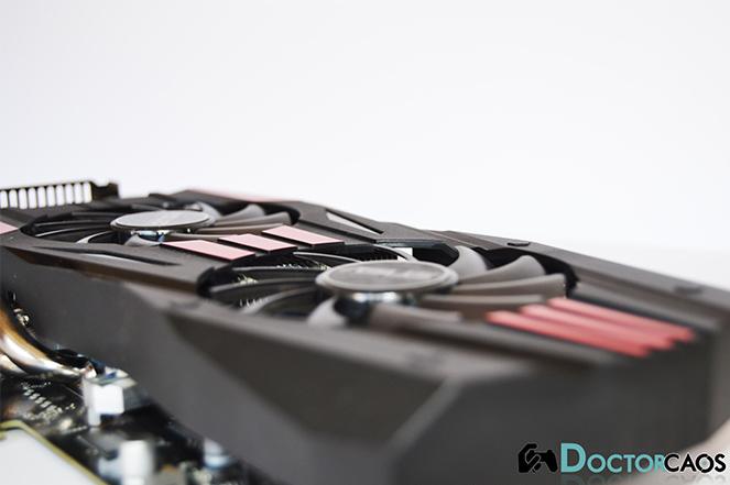 ASUS DirectCU II TOP Radeon R9 270X (5)
