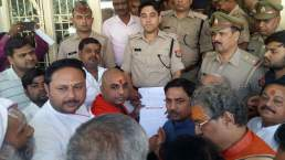 police-with-agitators-at-vrindavan-atheist-meet-14-15-10-16-23