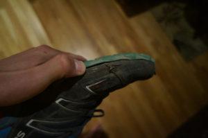 Delaminating sole