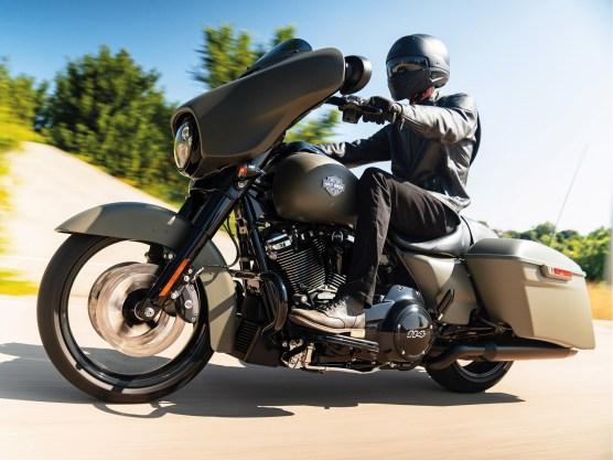 In einem 15-seitigen ROADBOOK-Spezial berichtet DREAM-MACHINES 02-21 i über den brandneuen und heiß erwarteten Harley-Davidson-Modelljahrgang 2021