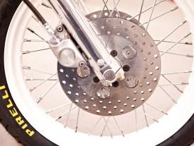 Wie es sich für ein Rennfahrerbike gehört, sorgt eine Doppelscheibenanlage für gute Verzögerungswerte