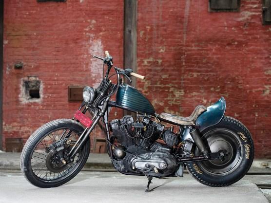 Hafi war mit der ersten Version des Bikes nicht zufrieden, es gab daran zu viel Bling-Bling. Deshalb verpasste er ihm einen abgerockten Style