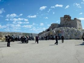Ruine eines alten Leuchtturms am Südostende der Insel Pag