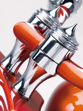 Ehrensache: Bis auf Motor und Bremsen stammen alle verbauten Accessories – wie hier die Riser – aus dem Sortiment von Cyril Huze