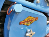 ein Zusatztank, der Sprit in den Haupttank pumpen kann
