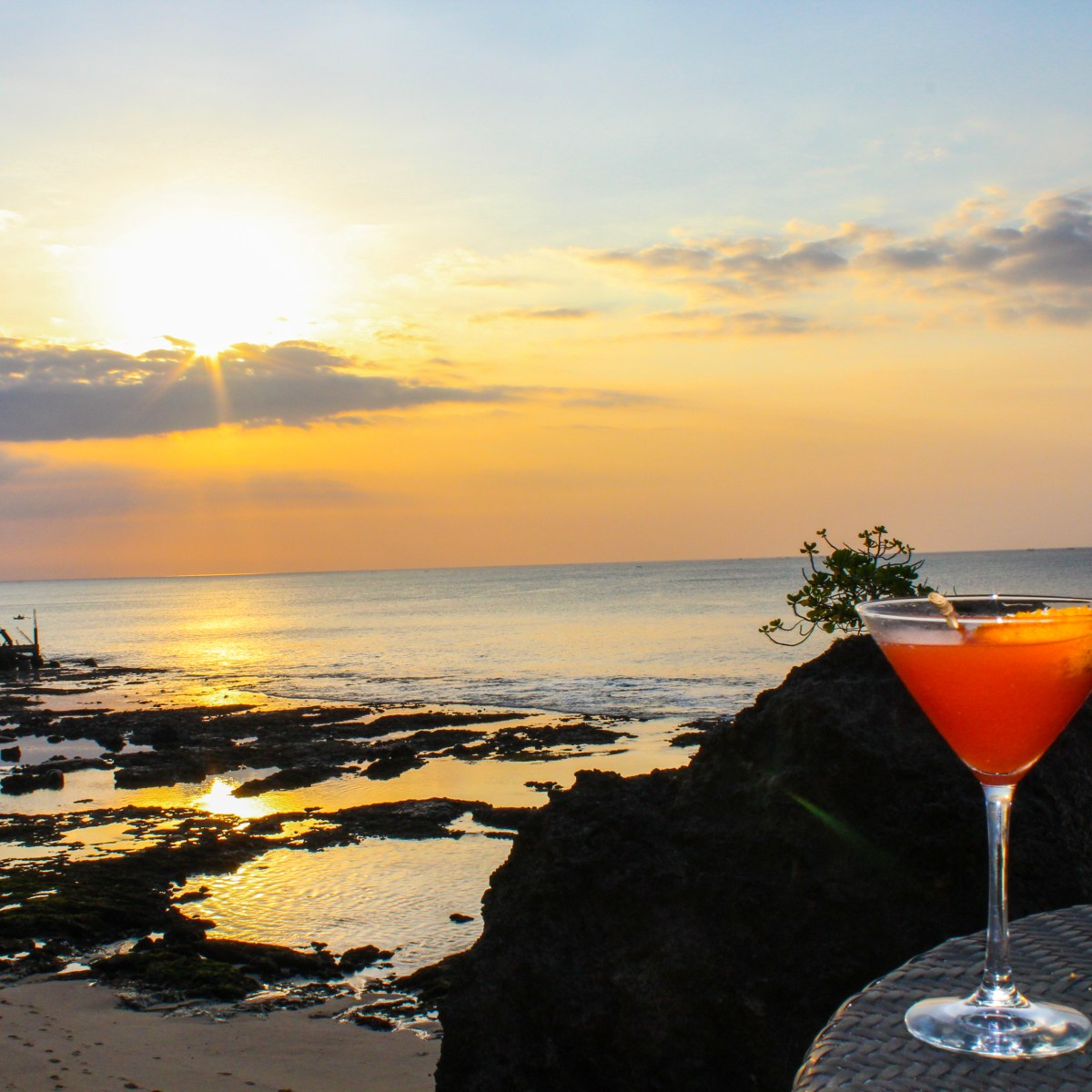 Bali's best bars, drink at sunset overlooking the ocean