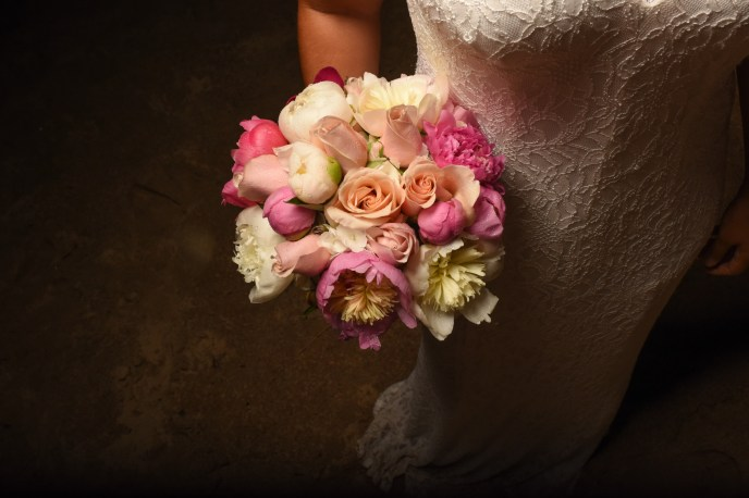 Dream day weddings, bride with flowers