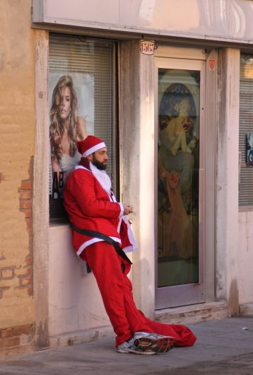 Babbo Natale resting after a long fun run!