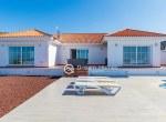 For-Holiday-Rent-Five-Bedroom-Villa-Terrace-Ocean-View-Swimming-Pool-Garden-BBQ-Tijoco-Bajo13