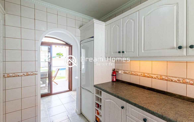 Blue Dream Villa With Private Pool Kitchen Real Estate Dream Homes Tenerife