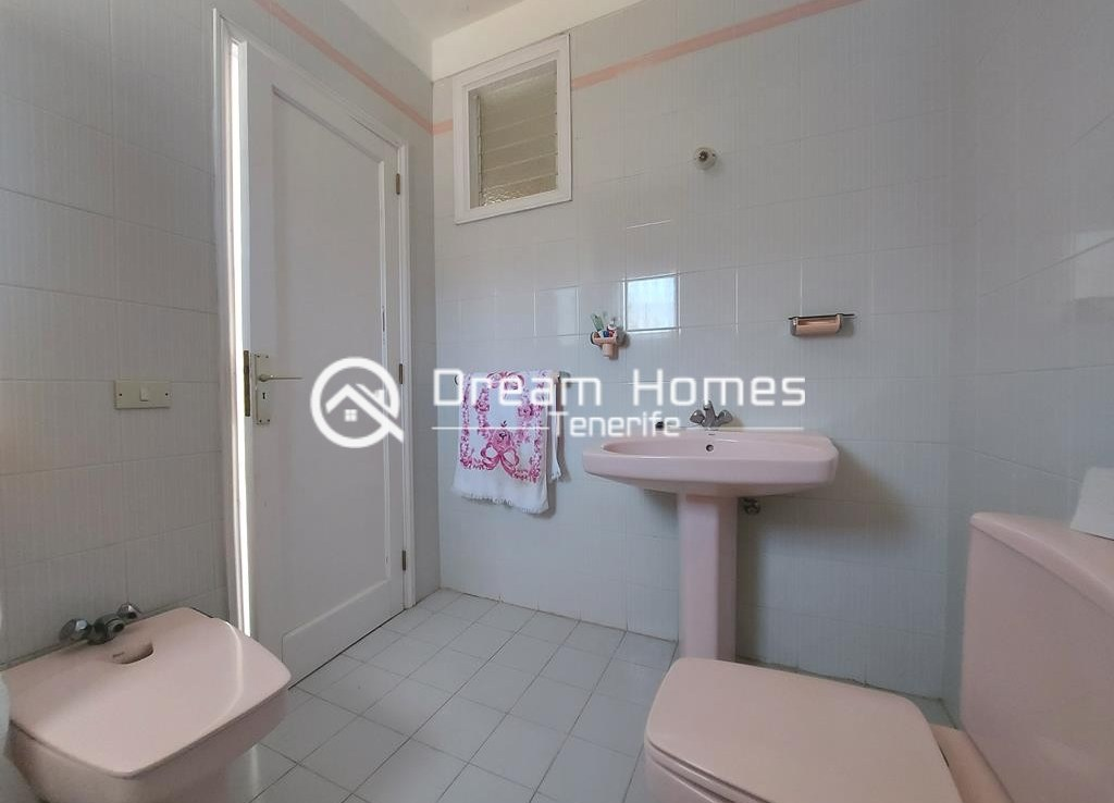 Canarian Style House with 2 Commercial Units in Santiago del Teide Bathroom Real Estate Dream Homes Tenerife