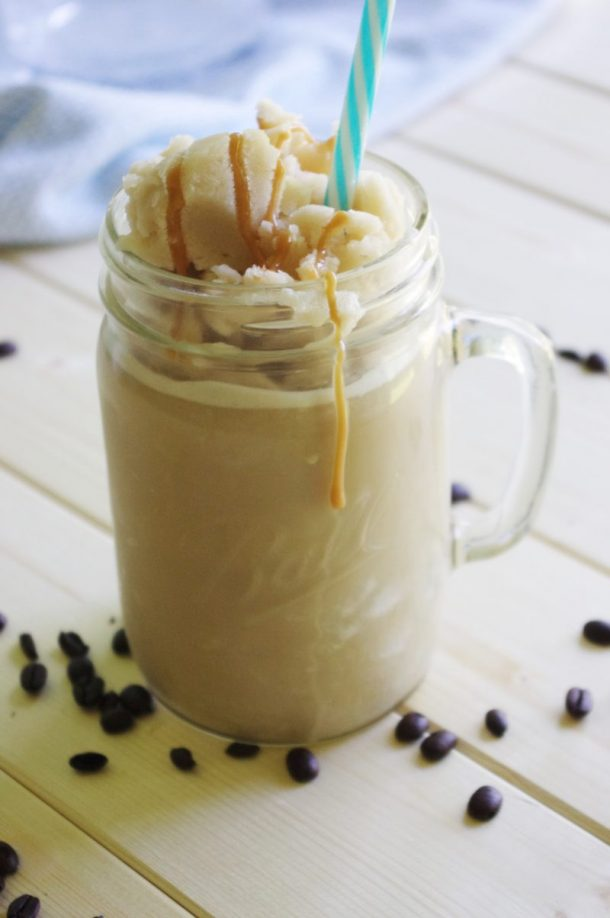 65 Calorie Skinny Caramel Vanilla Homemade Blended Iced Coffee Recipe - So EASY- frosty - yummy and GUILT FREE