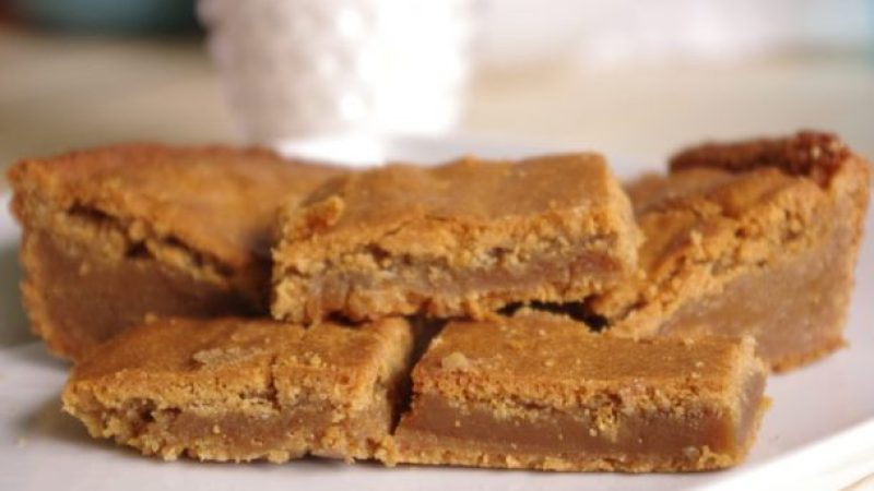The BEST Blondies - Blonde Brownies Cookie Bars Dessert Treat Recipe