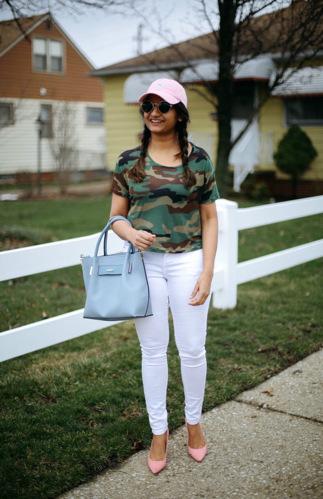 Forever21-camo-crop-top-and-pastel-outfits