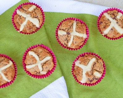 Hot Cross Muffins from Simplicious