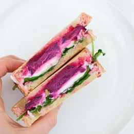 Beet and Goat's Cheese Toastie from Simplicious