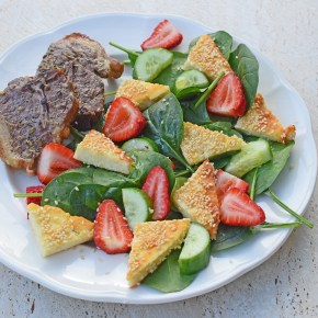 Sesame-Crusted Haloumi and Strawberry Salad from Simplicious