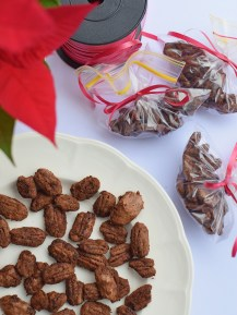 Cacao Cayenne Pecans from Simplicious