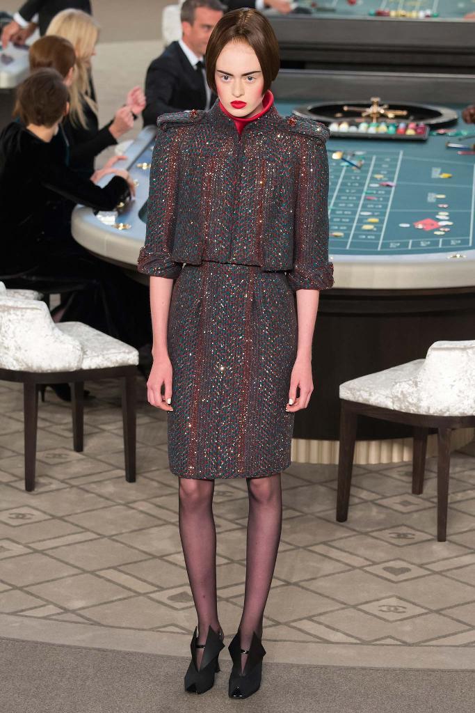 chanel-couture-fw15-runway-paris-look-16