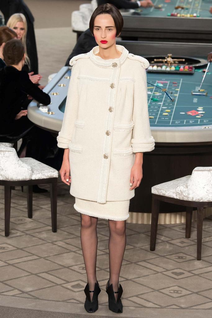 chanel-couture-fw15-runway-paris-look-27